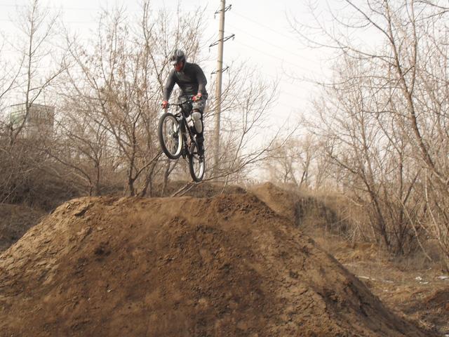 Фото к статье: Dirt Jumping, 06.04.2011