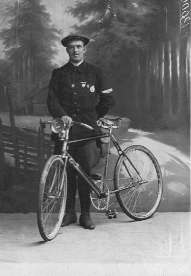 Фото к статье:             Велосипед из прошлого